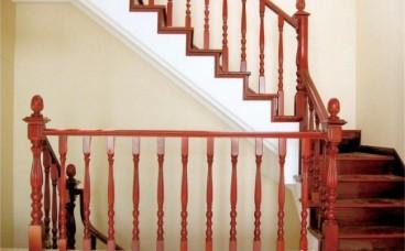 楼梯保养丨实木楼梯日常保养技巧