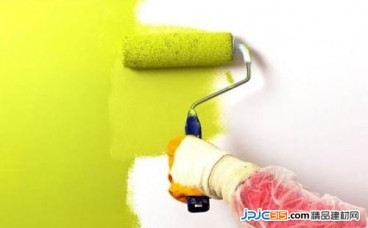 涂料的光泽度和什么相关联?