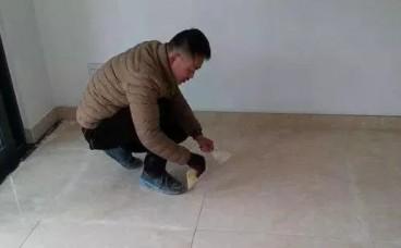 """瓷砖美缝一般什么时候做?老师傅教你一种""""省钱""""的办法,实用!"""