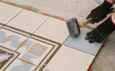 贴瓷砖到底要不要用十字架?