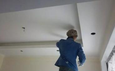 乳胶漆和墙纸谁的甲醛含量更高